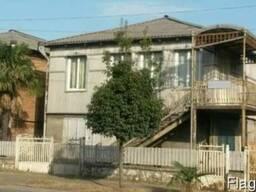Продается земельный участок и дом в Поти