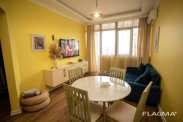 Продаётся 2 х комнатная квартира в Центре Города