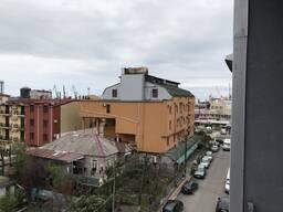 Продаётся квартира 48 кв. , возле рынка Бони, в Батуми, 1 км. от моря.