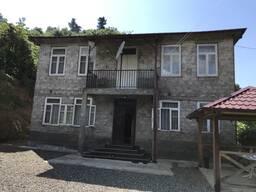 Срочно продаётся дом 230 кв. , земли 2500кв. , в Чакви, 15км. от Батуми, земля не сельхоз. .