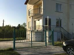 В курорте Уреки, продается, 3-х этажный дом